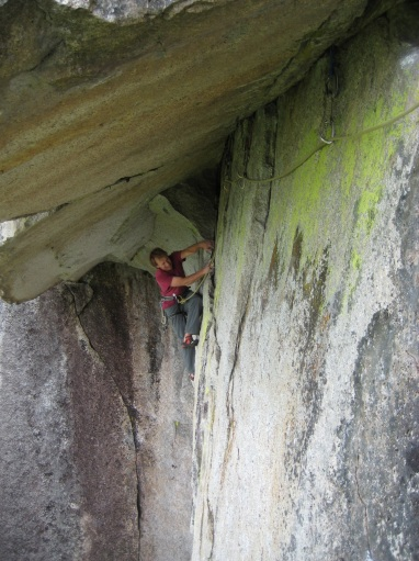 Getting established under the roof on Monkey Lust 5.10d